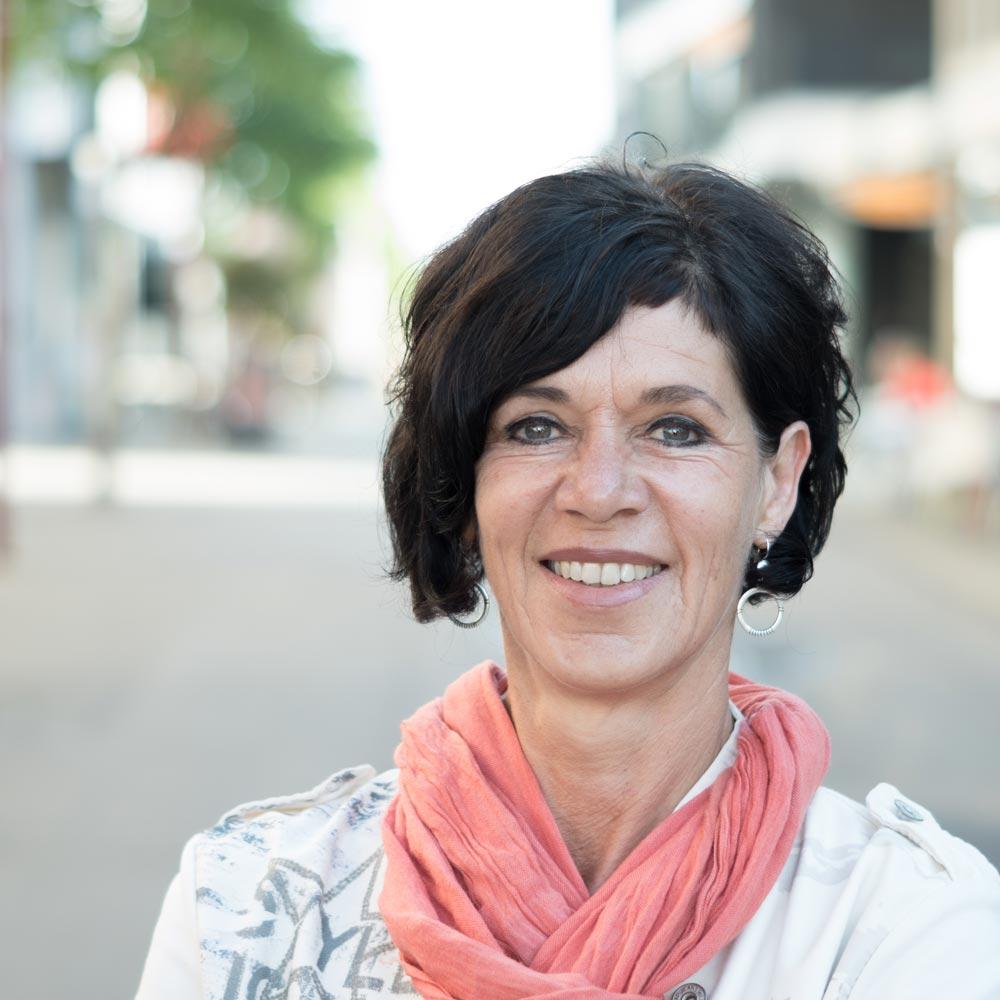 Karin Oberscheider